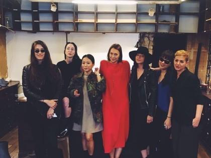 #girls @peter_non #peternon #showroom #ruecharlot20 #paris #goodbye #pfw