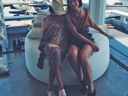 Friends in Newport @fashionglue @amareesgirl #amarees #peternon #peternonshoes #fashionglue #friends #family #love